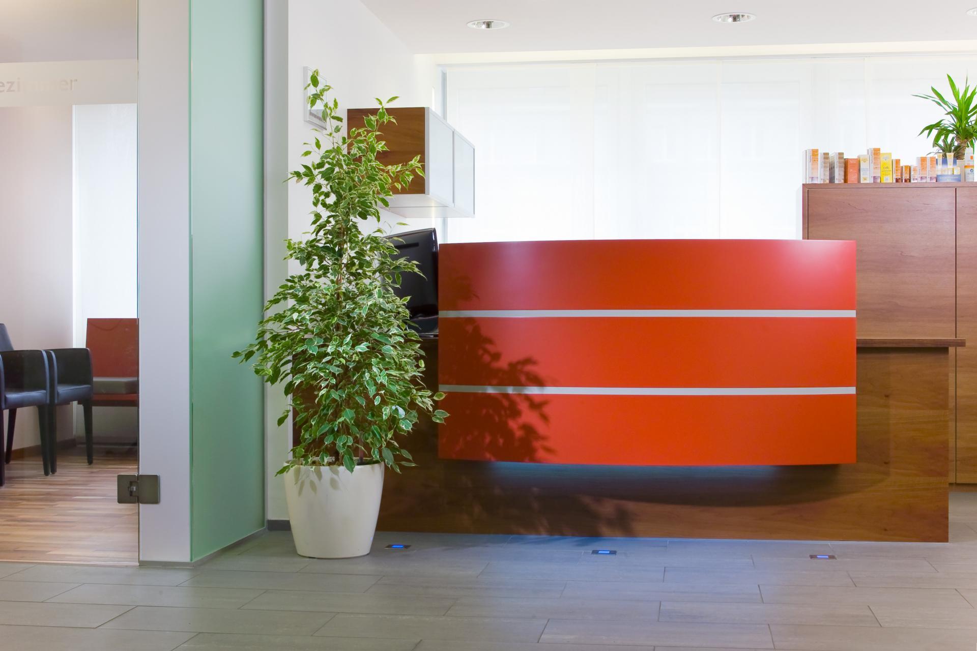 Empfang in orange  | hautarzt-bubenberg.ch